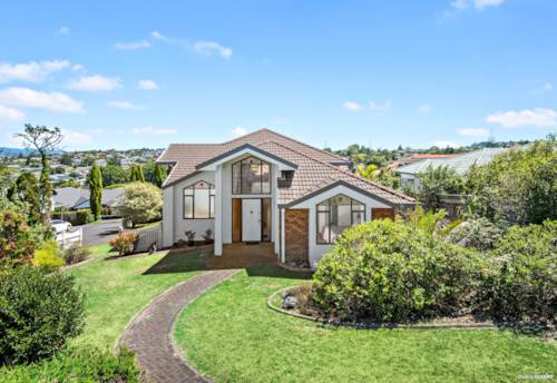 Mt Roskill, Fantastic Family Home - More Than Meets the Eye, Property ID: 807275 | Barfoot & Thompson