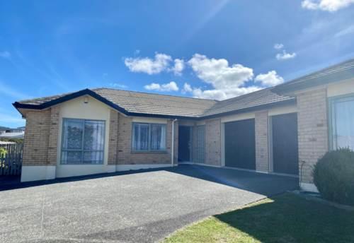 Pinehill, Spacious Living Area, Property ID: 53004581 | Barfoot & Thompson