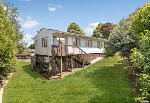 Tuakau, Beautifully Renovated on a 919 m² Freehold Site!, Property ID: 807507 | Barfoot & Thompson