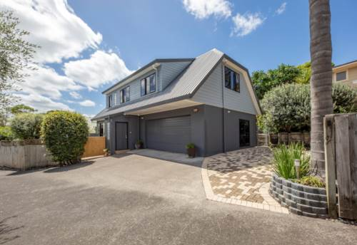 Titirangi, Easy Living In De Val, Property ID: 807605 | Barfoot & Thompson