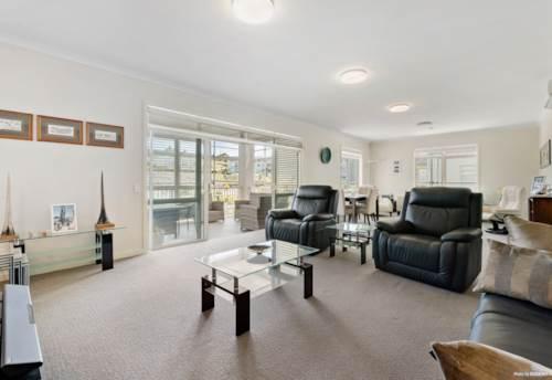 Orewa, Luxury Living in Kensington Park, Property ID: 807678 | Barfoot & Thompson