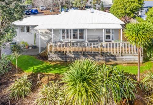 Pukekohe, Best Address & Charming Home, Property ID: 807537 | Barfoot & Thompson
