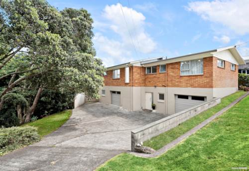 Waiuku, 1209m² Section - TELL ME WHAT YOU THINK?, Property ID: 807380 | Barfoot & Thompson