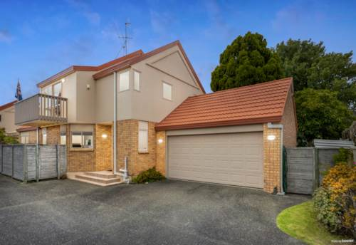 Te Atatu South, Your New Family Home Is Here, Property ID: 807682 | Barfoot & Thompson