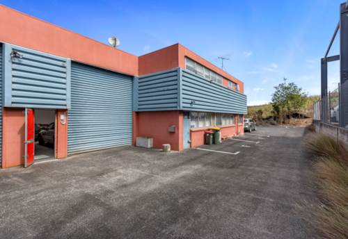 Henderson, OWNER-OCCUPIER DELIGHT!, Property ID: 85534 | Barfoot & Thompson