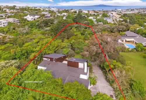 Castor Bay, Park-like grounds, potential-packed offering!, Property ID: 807771   Barfoot & Thompson