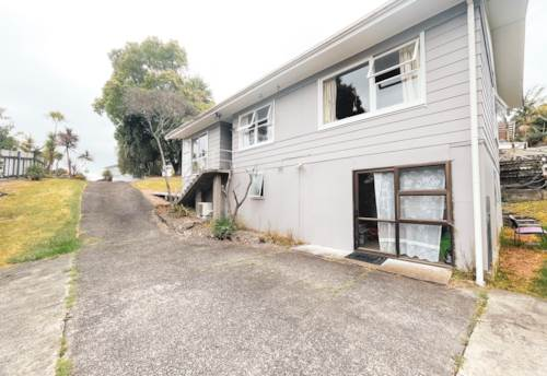Henderson, 4 BEDROOM FAMILY HOME! , Property ID: 45002518 | Barfoot & Thompson