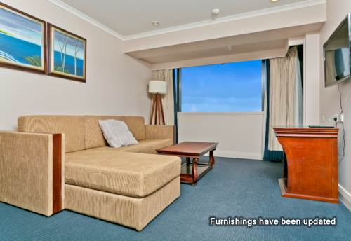 Takapuna, Furnished One Bedroom Apartment with Carpark, Property ID: 41003709 | Barfoot & Thompson