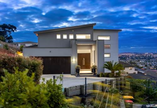 Flat Bush, Home and Granny with Views Worth Framing, Property ID: 807473 | Barfoot & Thompson