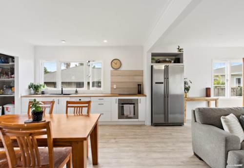 Waiuku, Funky & Fresh, Great Location!, Property ID: 805808 | Barfoot & Thompson