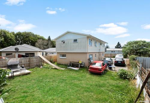 Mangere, GREAT DO UP POTENTIAL!!!, Property ID: 807749 | Barfoot & Thompson