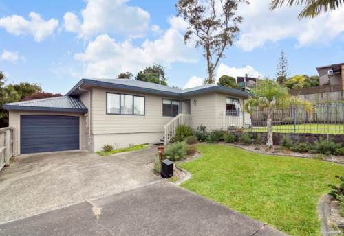 Stanmore Bay, Great starter & great location, Property ID: 807312 | Barfoot & Thompson