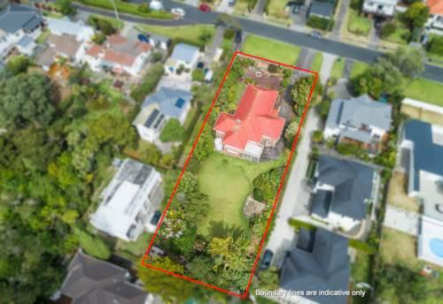 Hillcrest, A Kiwi Classic on 1417m2 Land, Property ID: 807671 | Barfoot & Thompson