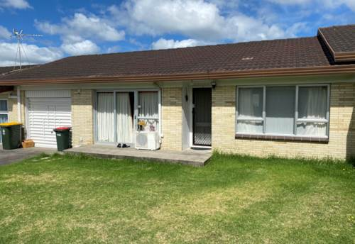 Papatoetoe, Great 2 Beedroom unit with inter acess Garage , Property ID: 85002249 | Barfoot & Thompson