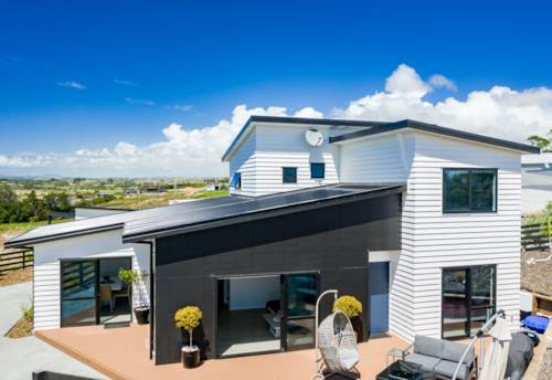 Mangawhai Heads, NEARLY BRAND NEW, Property ID: 807960 | Barfoot & Thompson