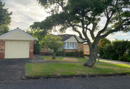 Pukekohe, LOVELY OLDER HOME, Property ID: 46004466 | Barfoot & Thompson