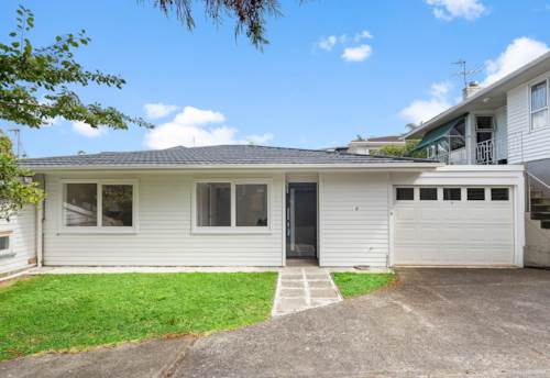 Hauraki, Low maintenance, sunny townhouse, Property ID: 807968 | Barfoot & Thompson