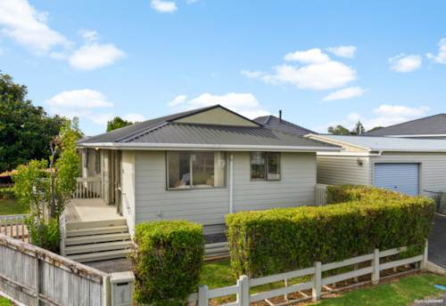 Waiuku, Looking for Low Maintenance?  Walking Distance to Town., Property ID: 807658 | Barfoot & Thompson