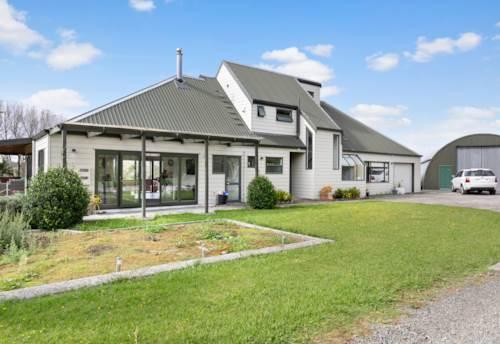 Dairy Flat, Versatile for Lifestyle & Land Banking, Property ID: 807867 | Barfoot & Thompson