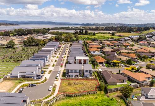 Mangere Bridge, 592sqm Vacant Section with Potential, Property ID: 807980 | Barfoot & Thompson