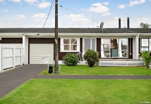 Papakura, Brick and Tile Beauty..., Property ID: 807970 | Barfoot & Thompson