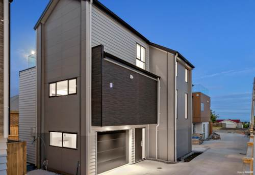 Oteha, Brand New Luxury Homes in Rangi Zone, Property ID: 807983 | Barfoot & Thompson