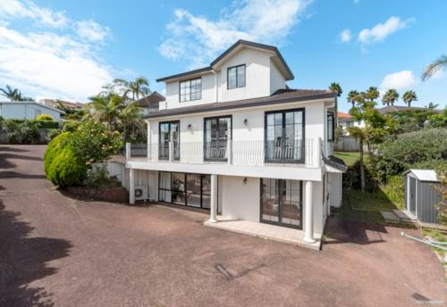 Goodwood Heights, Lovely Home & Granny on 838 m² !, Property ID: 807665 | Barfoot & Thompson
