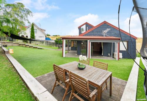 St Johns, A family home with potential, Property ID: 807959 | Barfoot & Thompson