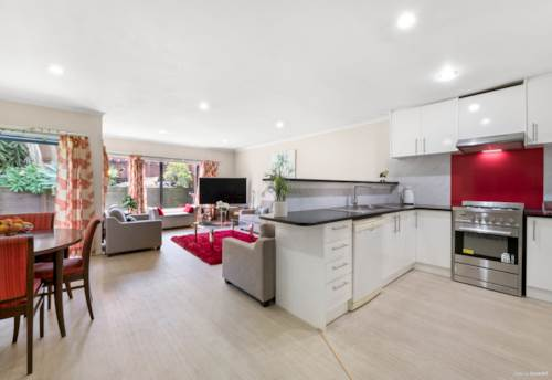 Flat Bush, Affordable & Freehold - Perfect For Starters / Investors, Property ID: 808121 | Barfoot & Thompson