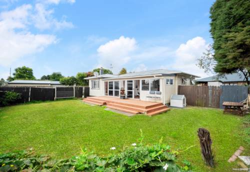 Papakura, Freehold, Potential To Add Value, Property ID: 807722 | Barfoot & Thompson