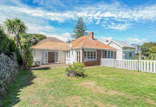 Mt Eden, Top location in Mount Eden Village, Property ID: 25002156 | Barfoot & Thompson