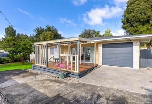 Papakura, Sweet Home and Fabulous Location, Property ID: 808229 | Barfoot & Thompson