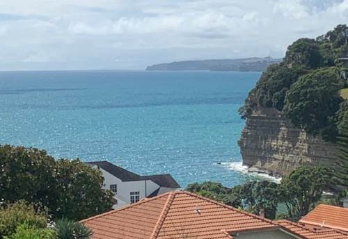 Red Beach, Space & Seaviews, Property ID: 56003376 | Barfoot & Thompson