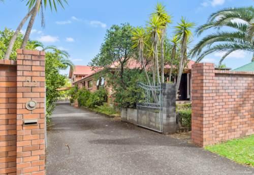 Green Bay, OPTIONS GALORE ON 1087M2 - URBAN ZONE!, Property ID: 808331 | Barfoot & Thompson
