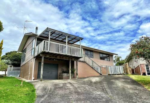 Pakuranga, BOOMING LOCATION WITH GREAT POTENTIAL, Property ID: 806497 | Barfoot & Thompson