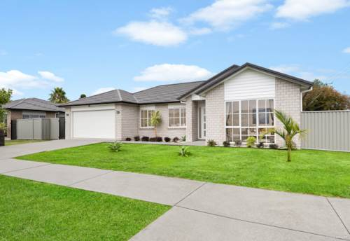 Papakura, Executive Family Home - Reserve Side Position, Property ID: 807040 | Barfoot & Thompson