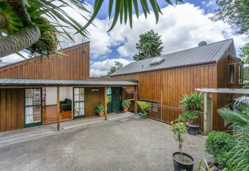 Birkenhead, At One With Nature - Private Bush Retreat, Property ID: 808455 | Barfoot & Thompson