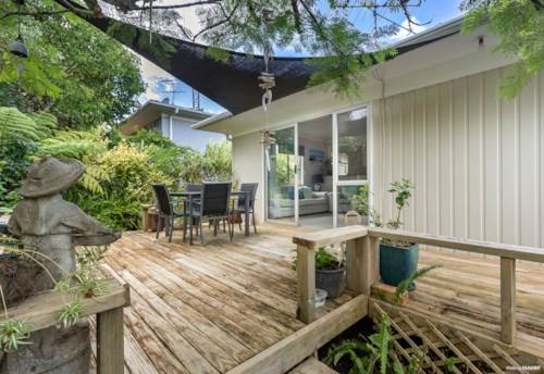 Glenfield, Affordable & Immaculate in a Fantastic location, Property ID: 808221 | Barfoot & Thompson