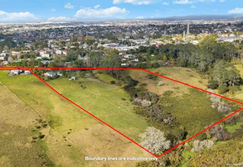 Massey, 4.6235 Ha Residential Land Near Westgate!!, Property ID: 808585 | Barfoot & Thompson