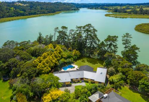 Greenhithe, Waterfront Kiwi Dream, Property ID: 808462 | Barfoot & Thompson