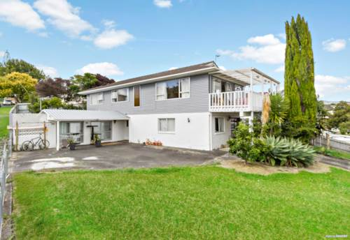Glen Eden, Large Families Look! Plus Self Contained Ancillary Unit, Property ID: 807039   Barfoot & Thompson