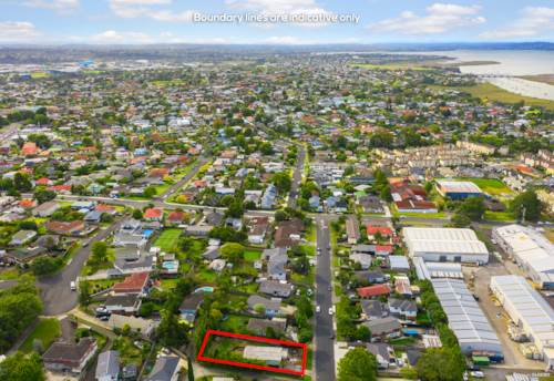 Te Atatu South, Bargain Price & Big Potential, Development Site!, Property ID: 808581 | Barfoot & Thompson