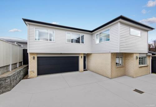 Mt Albert, Modern 5 bedrooms in Golden Location Business Zone., Property ID: 808678 | Barfoot & Thompson