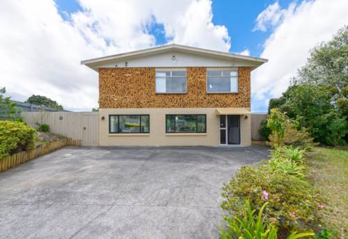 Massey, Spacious brick home with extensive harbour views, Property ID: 808730 | Barfoot & Thompson