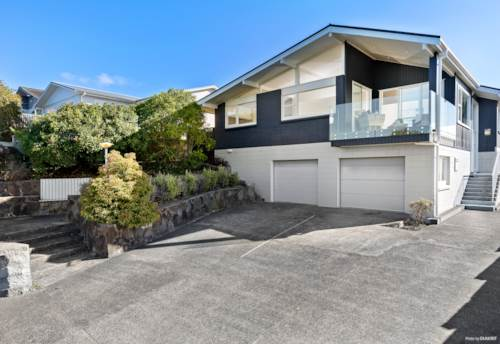 Pinehill, Rangitoto College Zoned Modern Living in Pinehill, Property ID: 806957 | Barfoot & Thompson
