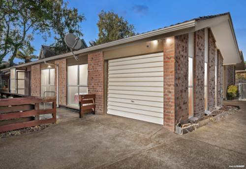 Papatoetoe, BRICK AND TILE, STANDALONE, AFFORDABLE, Property ID: 809133 | Barfoot & Thompson