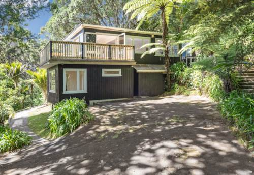 Titirangi, Secluded & Sun-drenched - Something Special, Property ID: 807895 | Barfoot & Thompson
