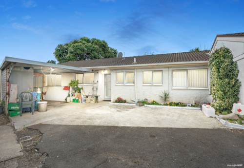 Clendon Park, Family friendly & Ready to go - Not an Auction, Property ID: 809294 | Barfoot & Thompson