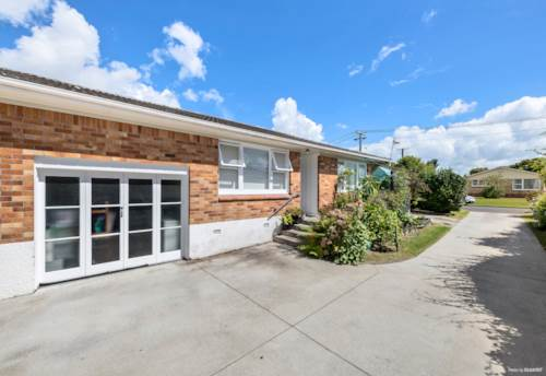 Papatoetoe, Brick and Tile with lovely private gardens, Property ID: 809233 | Barfoot & Thompson