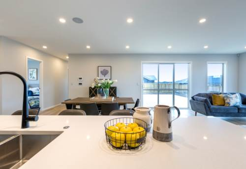 Pukekohe, Executive Home on Huge Section, Property ID: 809017 | Barfoot & Thompson